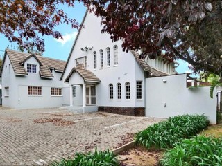 STUNNING PROPERTY WITH OFFICE SPACE IN NORWOOD