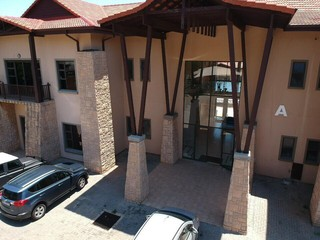OFFICE SPACE TO LET IN CONSTANTIA KLOOF