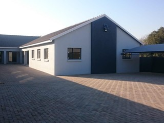 OFFICES/MEDICAL SUITES TO LET IN ALBERTON