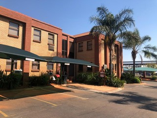 OFFICE TO LET IN ROODEPOORT