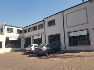 COMMERCIAL SPACE TO LET IN SUNDOWNER