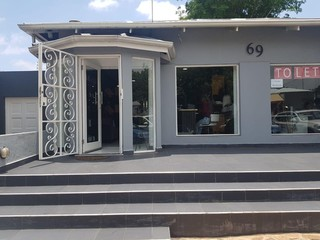 RETAIL/SHOWROOM SPACE TO LET IN PARKHURST